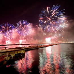 """4th Of July Fireworks • <a style=""""font-size:0.8em;"""" href=""""http://www.flickr.com/photos/7223507@N07/8210689197/"""" target=""""_blank"""">View on Flickr</a>"""