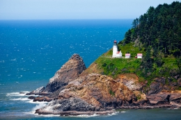 "Heceta Point • <a style=""font-size:0.8em;"" href=""http://www.flickr.com/photos/7223507@N07/8211600652/"" target=""_blank"">View on Flickr</a>"