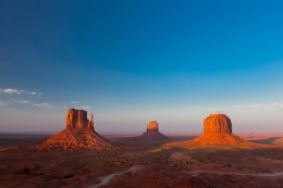 "Monument Valley Sunset II • <a style=""font-size:0.8em;"" href=""http://www.flickr.com/photos/7223507@N07/8210507957/"" target=""_blank"">View on Flickr</a>"
